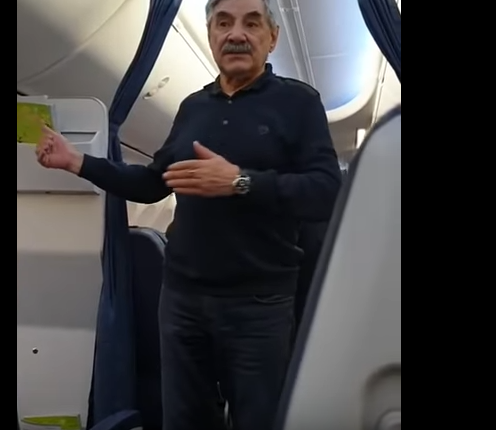 Актер Панкратов-Черный устроил дебош на борту самолета, упомянув Донецк: кадры скандального инцидента