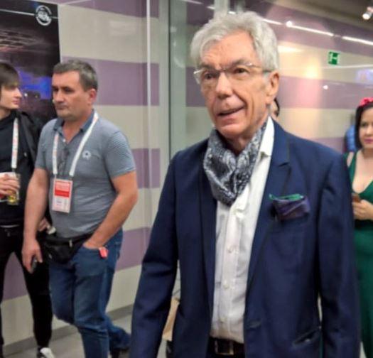 Тяжелобольной Юрий Николаев еле передвигается: сильно похудевший ведущий поразил фанатов и коллег