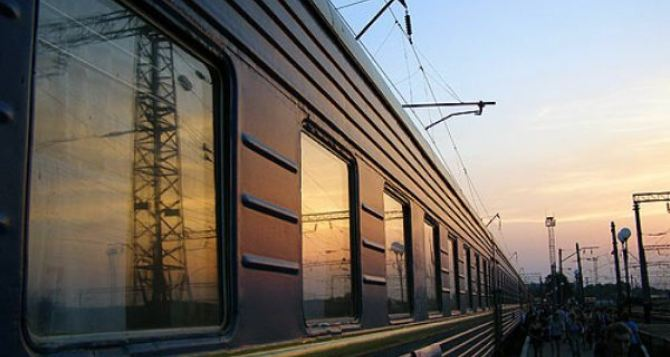 В зоне АТО снова пострадала ДонЖД: изменены маршруты