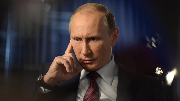 Резонансное признание Стрелкова: названо имя человека, который в 2014 году не дал Путину официально ввести войска в Донбасс