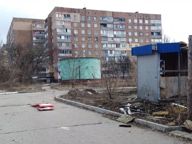 """""""Процветающая маленькая Швейцария"""": жители оккупированного Донецка показали, что боевики """"ДНР"""" сделали с автовокзалом """"Западный"""", - кадры"""