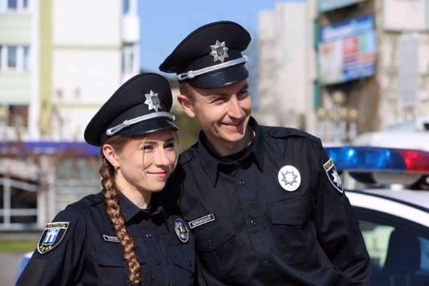 В Ровно появилась полиция: 193 патрульных приняли присягу