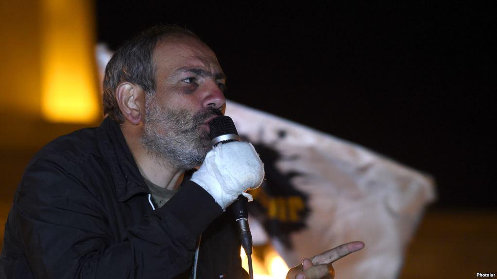 """""""Саргсян и его партия должны уйти навсегда"""", - Пашинян призвал продолжить революцию в Армении, анонсировав бойкот выборов в парламент страны"""