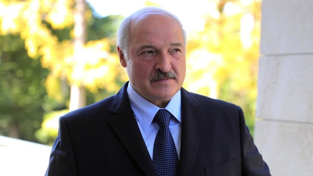"""Лукашенко о возможной зачистке """"майдана"""" в Беларуси военными: """"Всякое может случиться"""""""