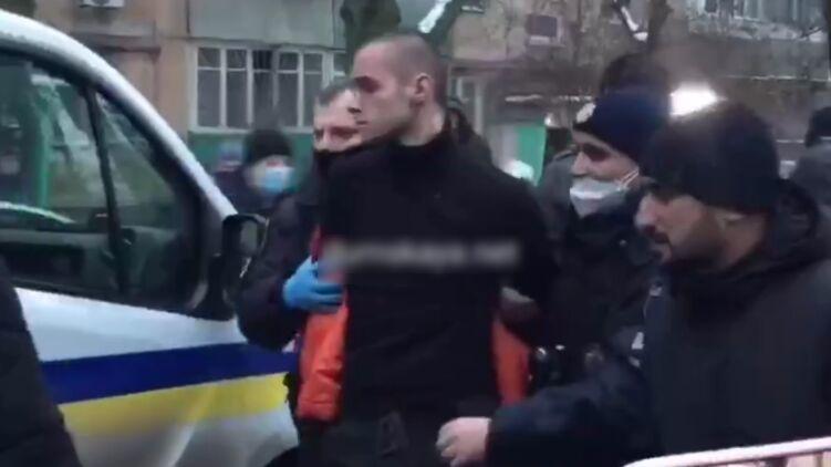 Сын-наркоман обезглавил своего отца и его сожителя, возомнив себя богом: СМИ о подробностях убийства в Одессе
