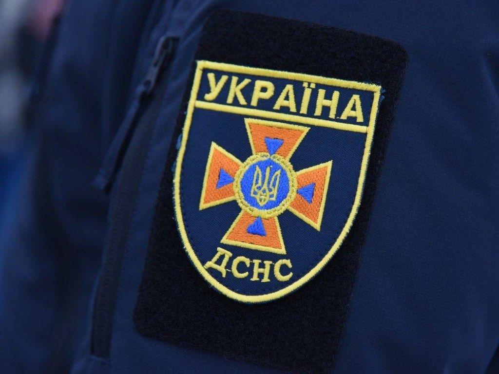 В Киеве раздался взрыв в многоэтажке, повылетали окна – СМИ пишут о пострадавшем