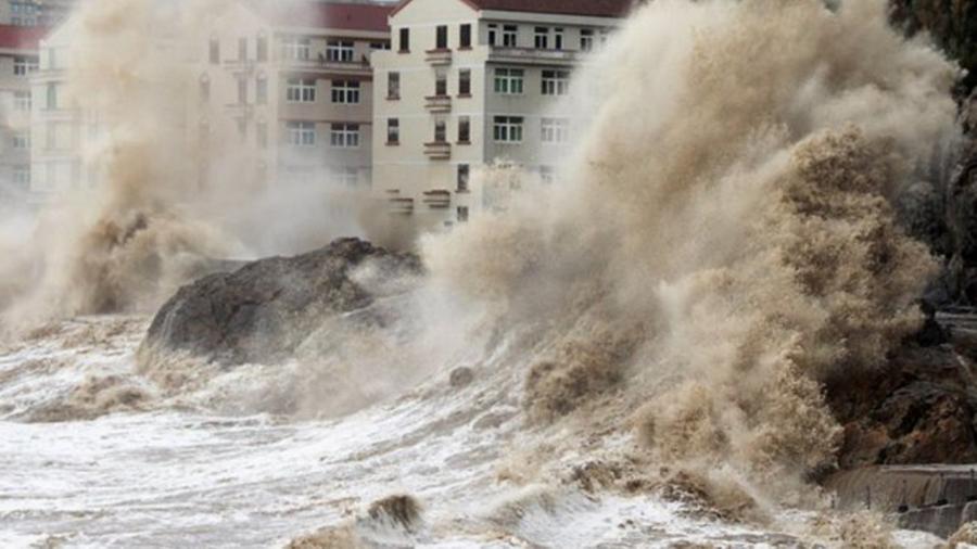 Сегодня 1 сентября супертайфун ʺНемезидаʺ сотрет с лица Земли Дальний Восток