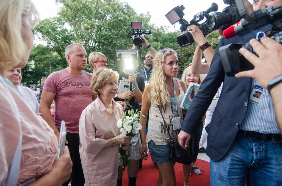 Кумир поколений, легендарная Лия Ахеджакова приехала в Одессу