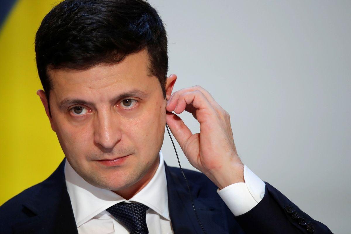 """Зеленский сказал, зачем Путин стягивает танки к Украине: """"Хочет, чтобы мы боялись"""""""
