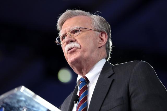 """Кремль """"спалился"""": советник Трампа указал на косвенное признание Россией своего участия в войне на Донбассе"""