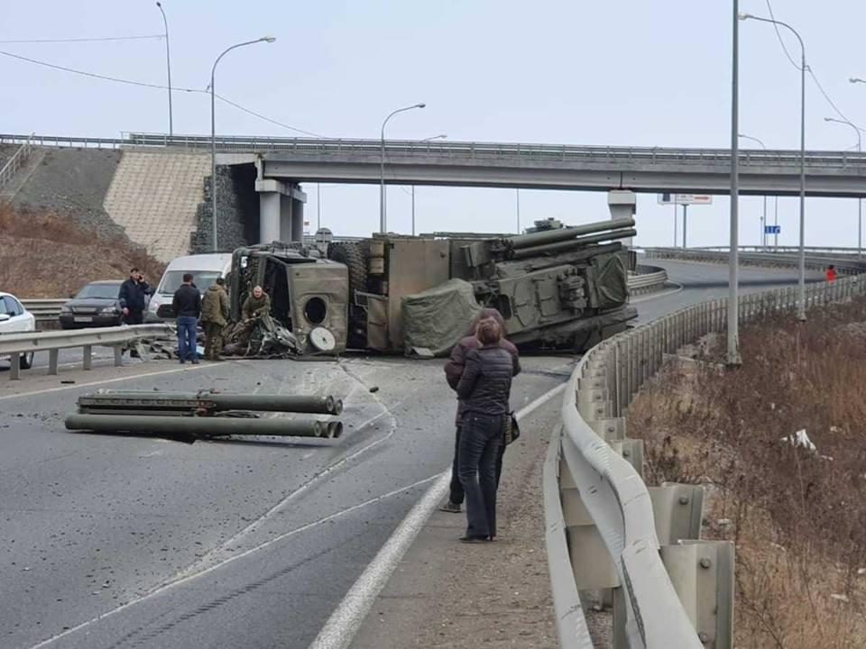 ДТП, авария, КамАз, военная техника, инцидент, Россия, Владивосток