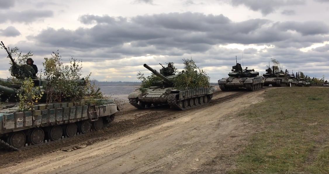 Танки, Грады и авиация: ВСУ показали видео, что ждет Россию в случае наступления на Донбассе