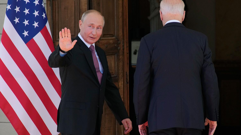 """Путин высказался о встрече с Байденом, похвалил главу США: """"Даже меня это выбивает из колеи"""""""