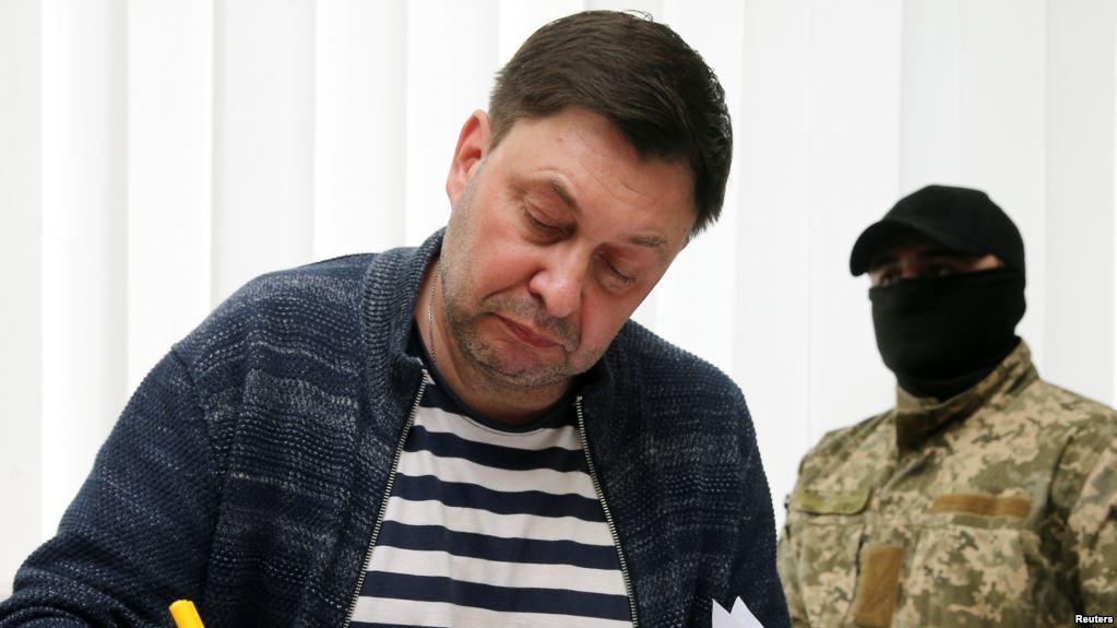 Вышинский решил спрятаться за спиной Путина и пытается срочно принять российское гражданство