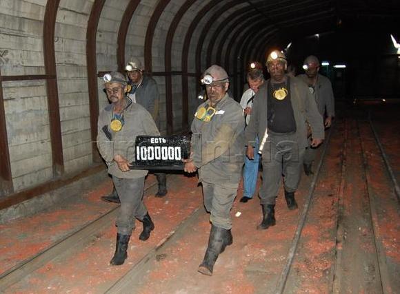 В Донецке началось затопление шахты Октябрьский рудник из-за отсутствия электроснабжения