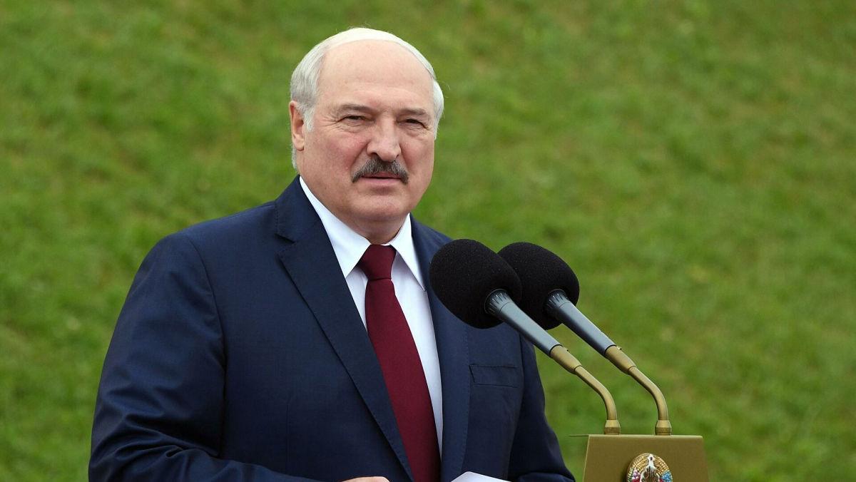 """Лукашенко нашел неординарную причину фиаско Беларуси на Олимпиаде: """"Кому мы деньги платим?!"""""""