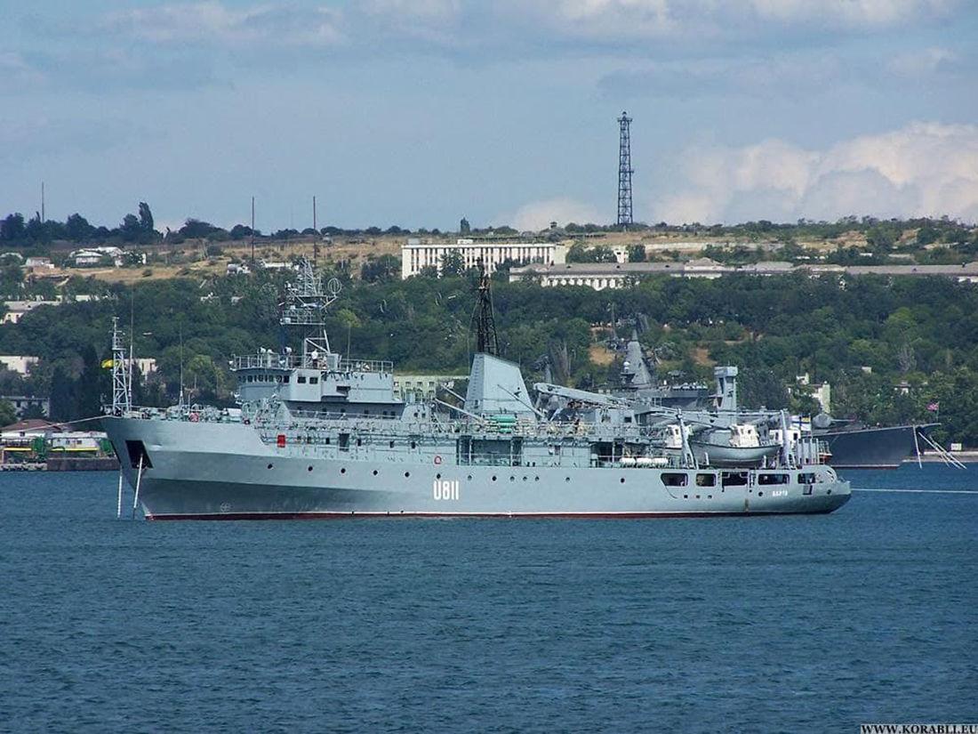 """В Черном море терпит бедствие корабль ВМФ Украины """"Балта"""" - спасателям сложно добраться к судну"""