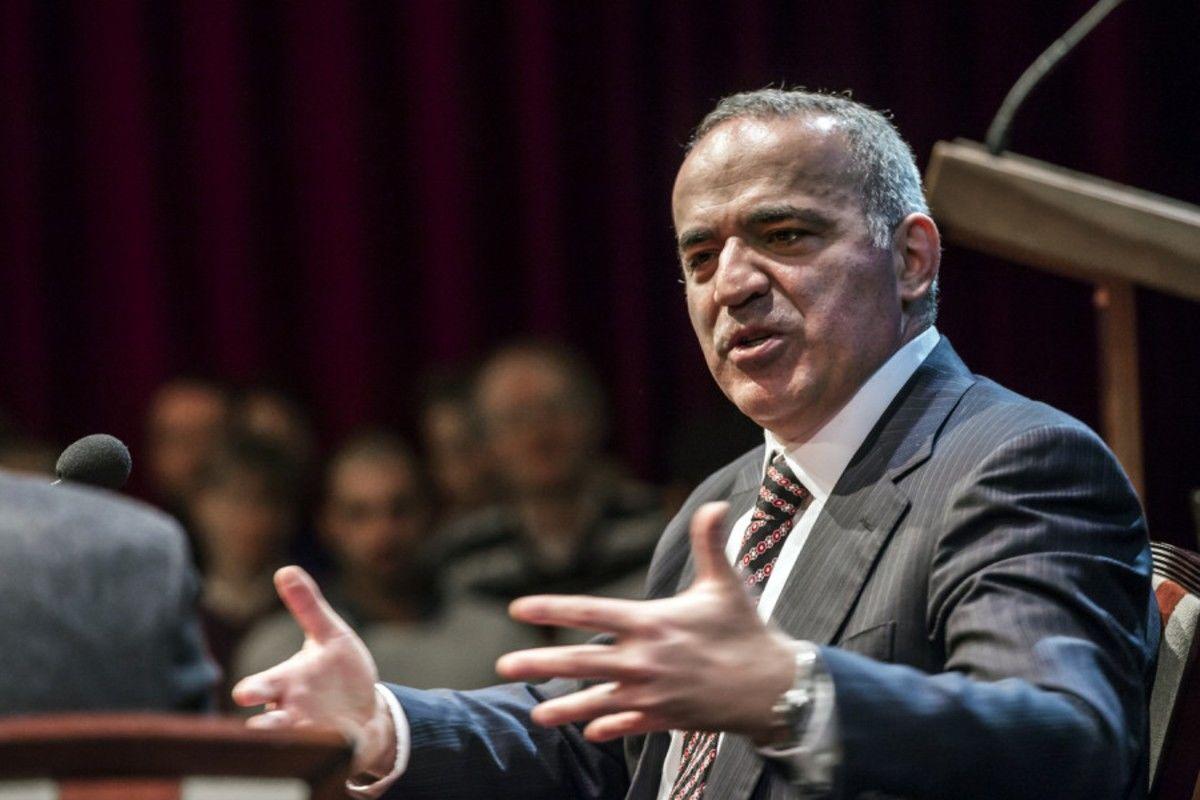 """Каспаров назвал единственный """"козырь"""" Путина: """"Говорить о компромиссах бессмысленно"""""""