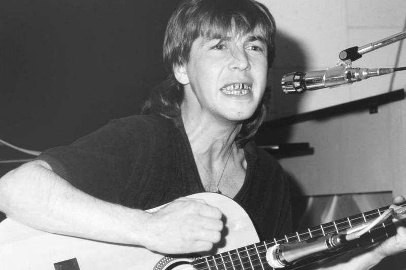 СМИ: в Москве под окнами дома найдено тело сына советского музыканта Александра Башлачева