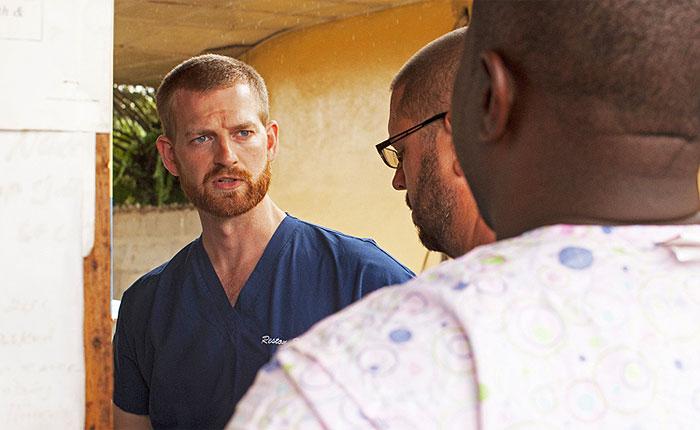 Заразившийся лихорадкой Эбола американец выздоровел