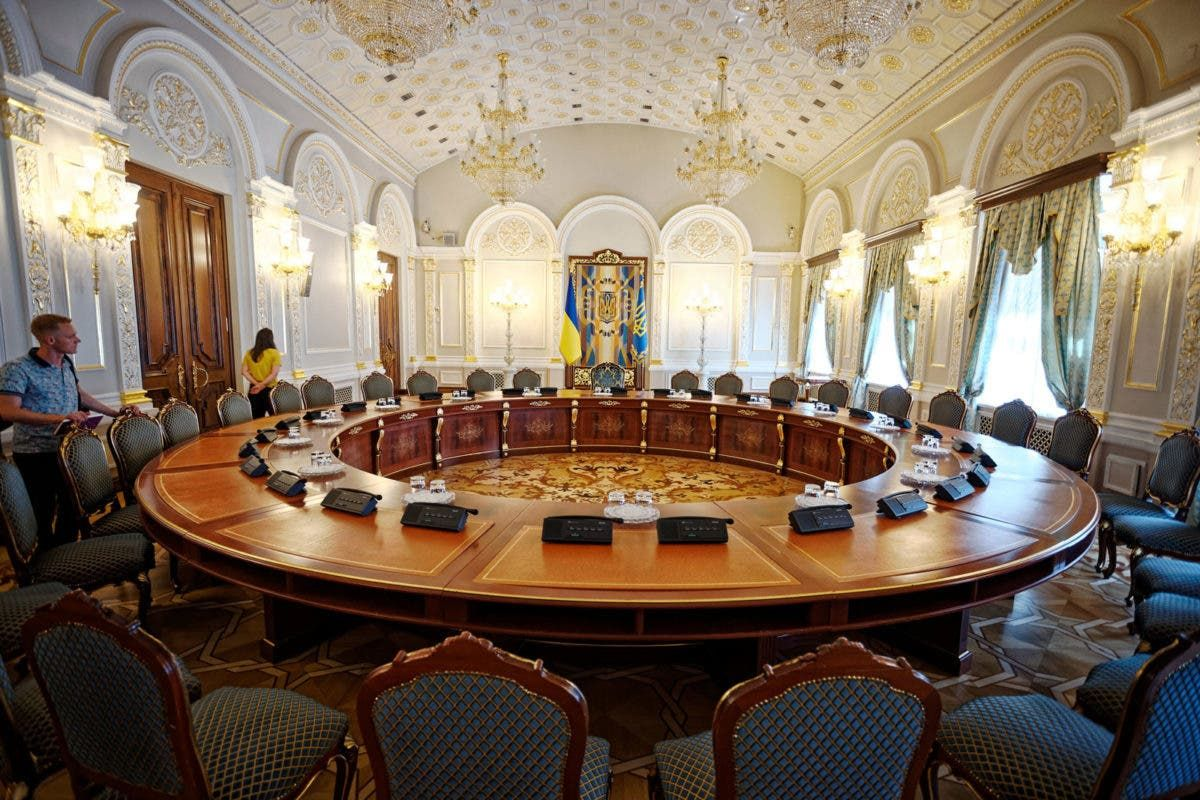 Донбасс рассмотрят в тайном режиме: Зеленский собирает СНБО
