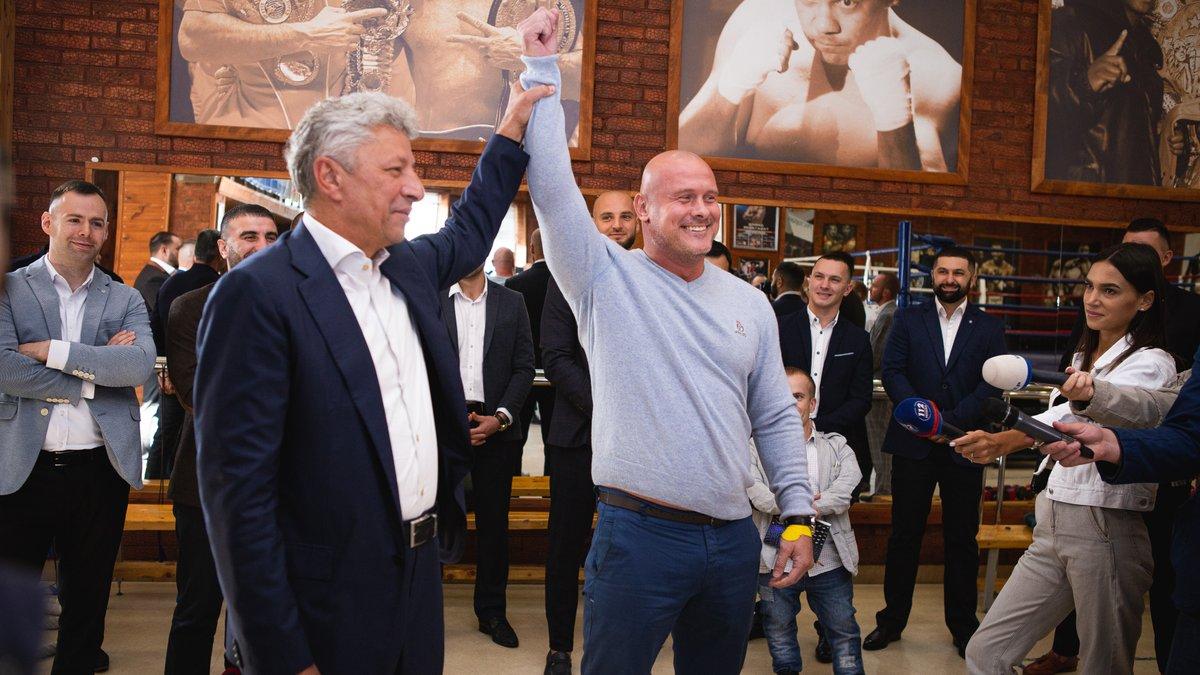 Боксер Узелков идет в политику: готовится стать мэром