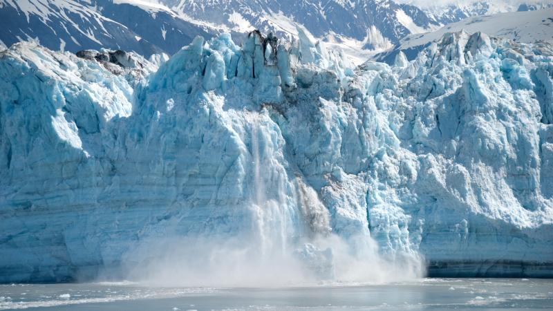 """Ученые поражены: в Арктике после таяния ледников """"всплыл"""" уникальный объект с идеальными формами - видео"""