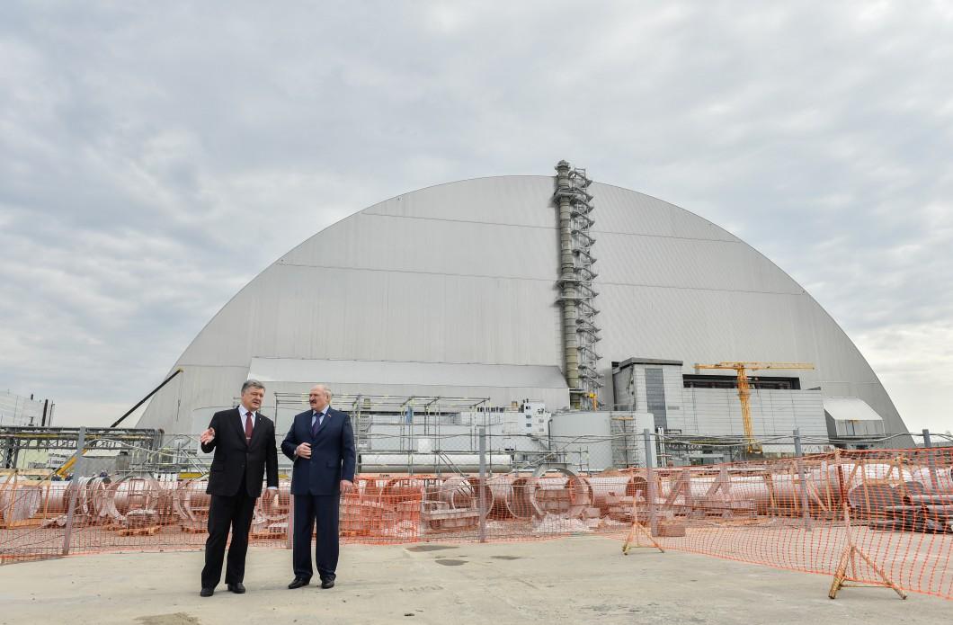 """Порошенко рассказал о новой защите для мира: """"Новый безопасный конфайнмент в ЧАЭС – один из самых амбициозных инженерных проектов в истории человечества"""""""
