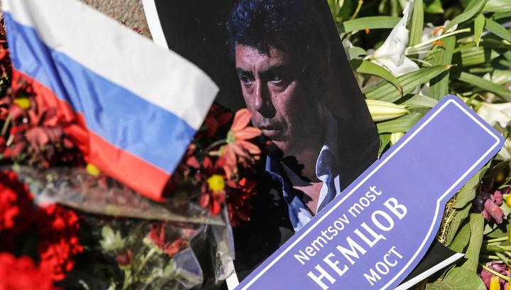 Кремль не щадит и после смерти: народный мемориал у дома Немцова был разорен в Москве