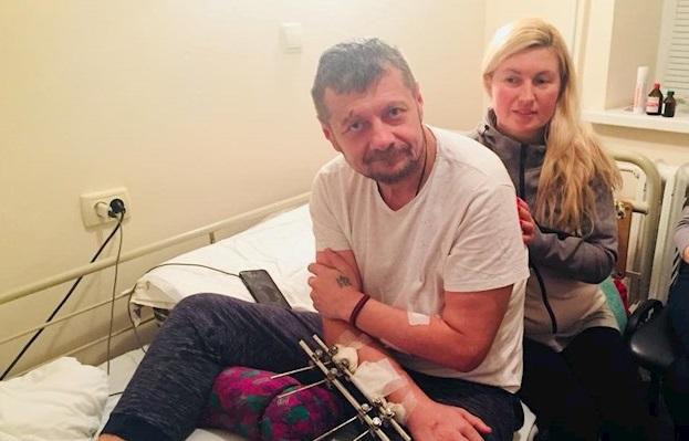 Мосийчук впервые показал жуткое фото из больничной палаты: стало известно, от чего сильно мучается нардеп - кадры