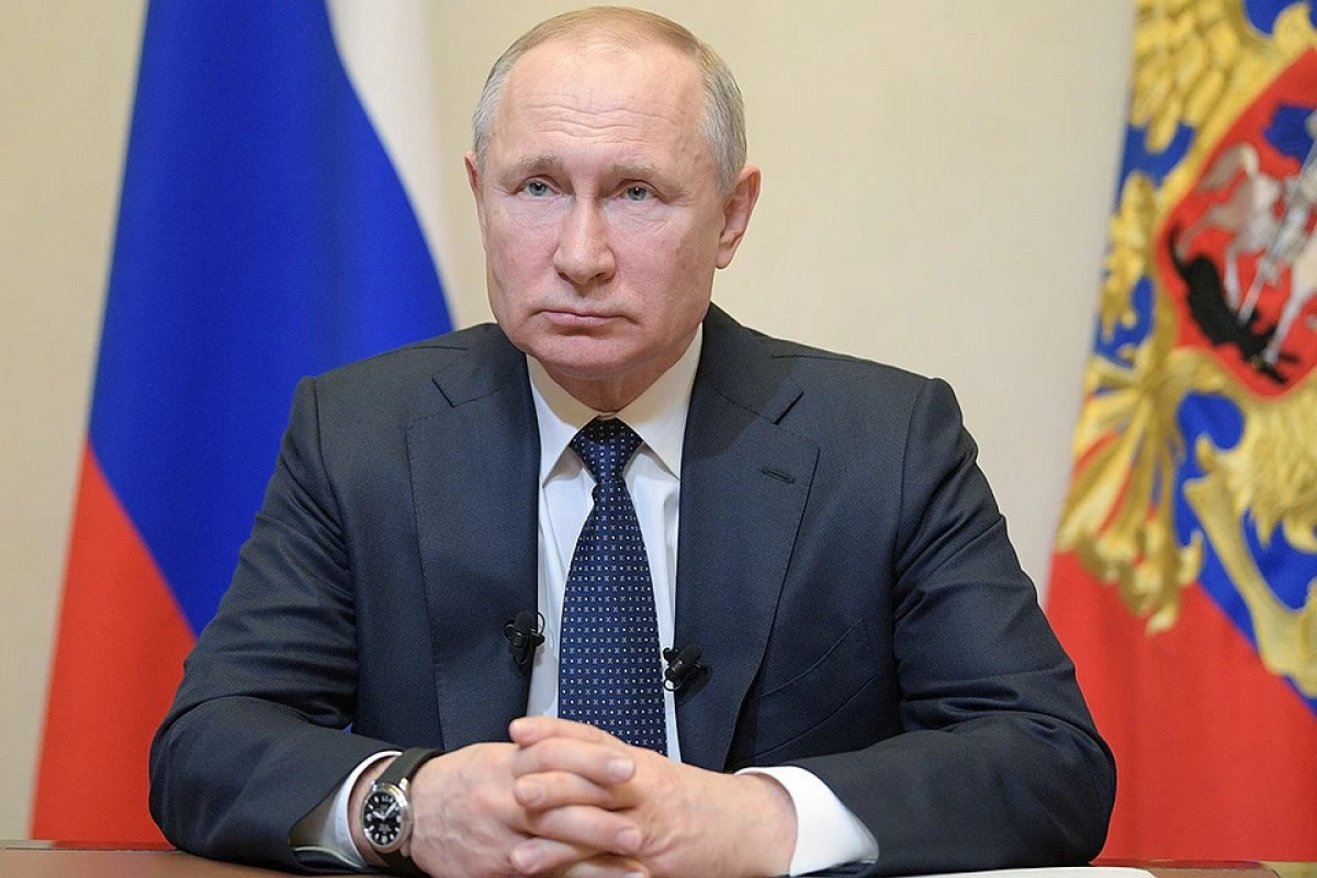 Изоляция на месяц: Путин принял чрезвычайное решение из-за ситуации с коронавирусом в РФ