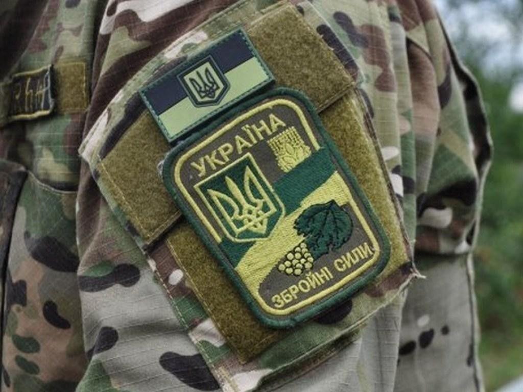 Грузовик с военными перевернулся во Львовской области: детали о пострадавших