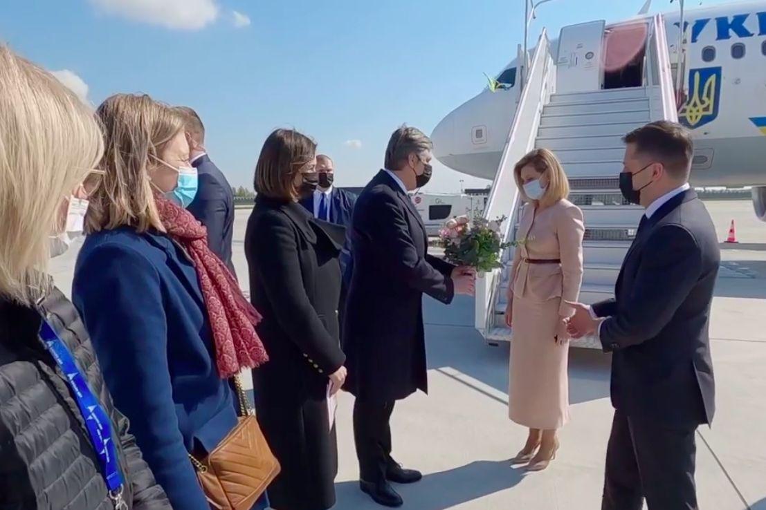 Зеленский с первой леди в Париже готовится к встрече с Макроном - в ОП показали первые кадры