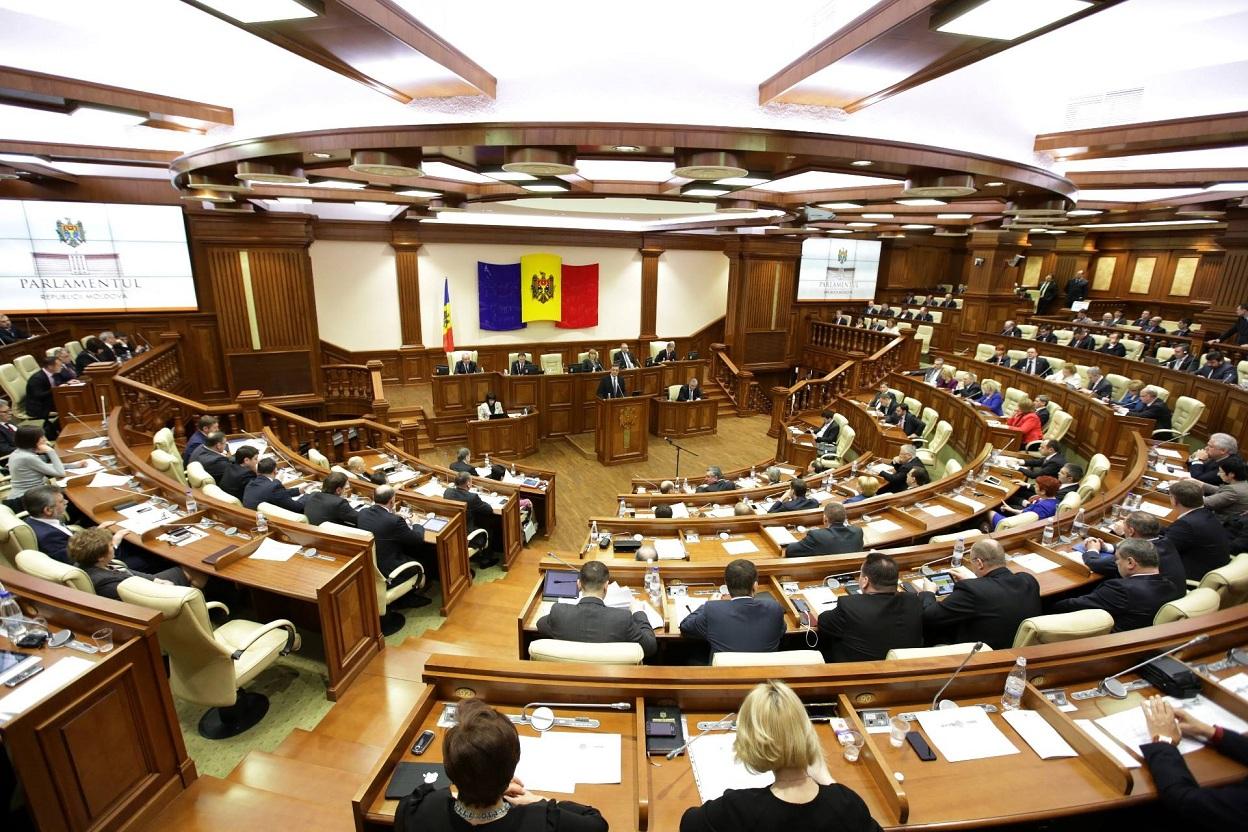 Отношения между Кишиневом и Кремлем накаляются: в Молдове требуют от Путина вывести войска из Приднестровья