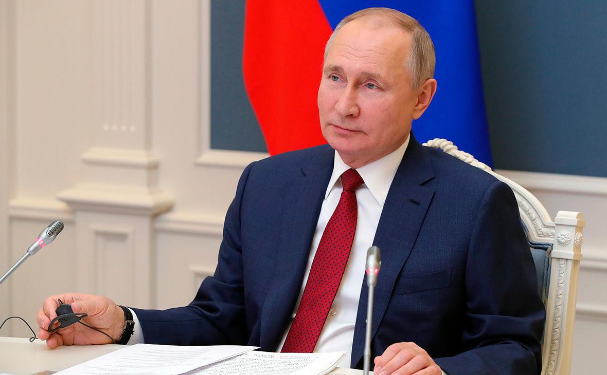 """""""Прихлопнули, и все молчат"""", – Путин лично отреагировал на закрытие """"каналов Медведчука"""""""