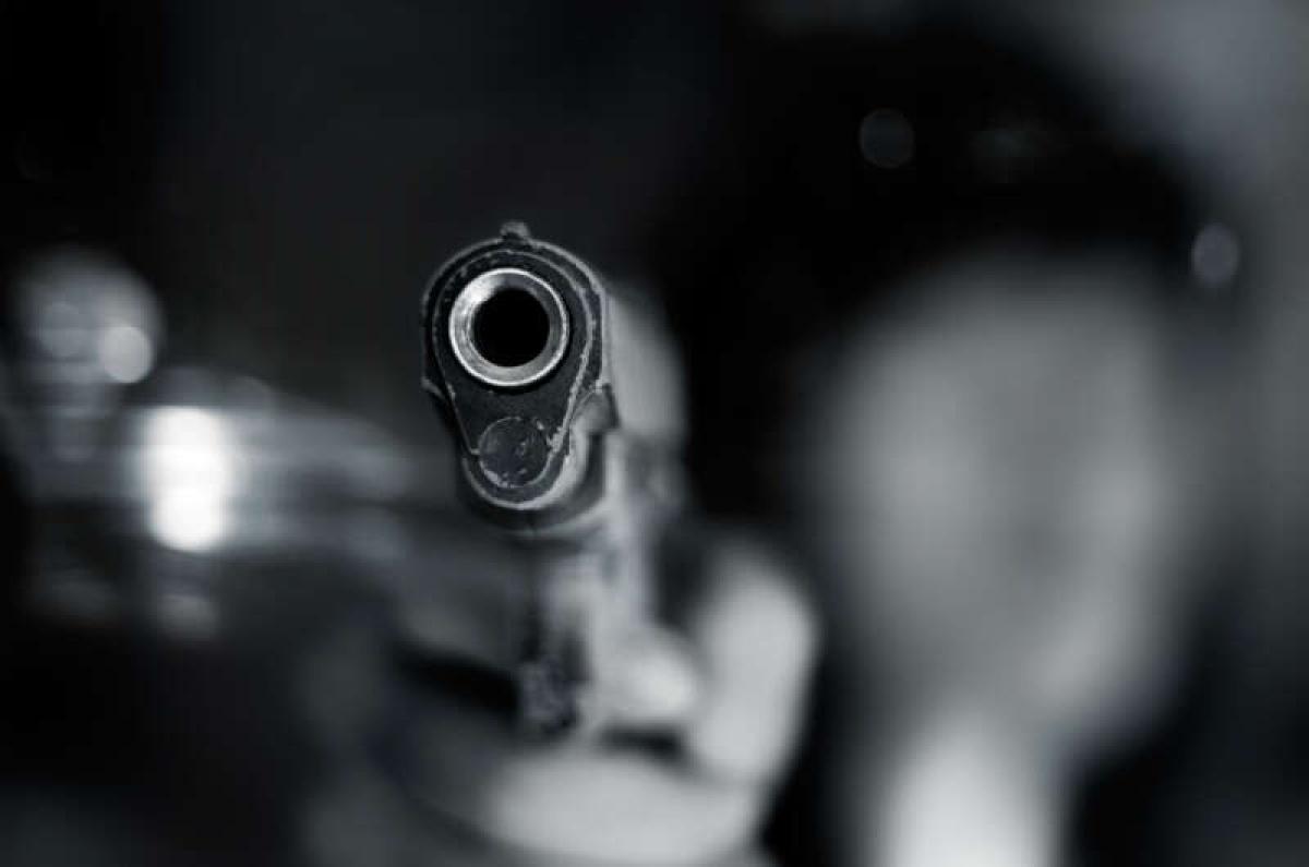 """В России застрелили подростка, напавшего на отдел полиции с ножом, """"коктейлем Молотова"""" и криком """"Аллаху Акбар"""""""