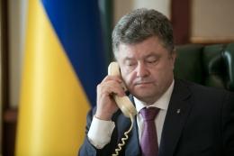 Байден и Порошенко ночью продолжили консультации по гуманитарной миссии в Донбассе