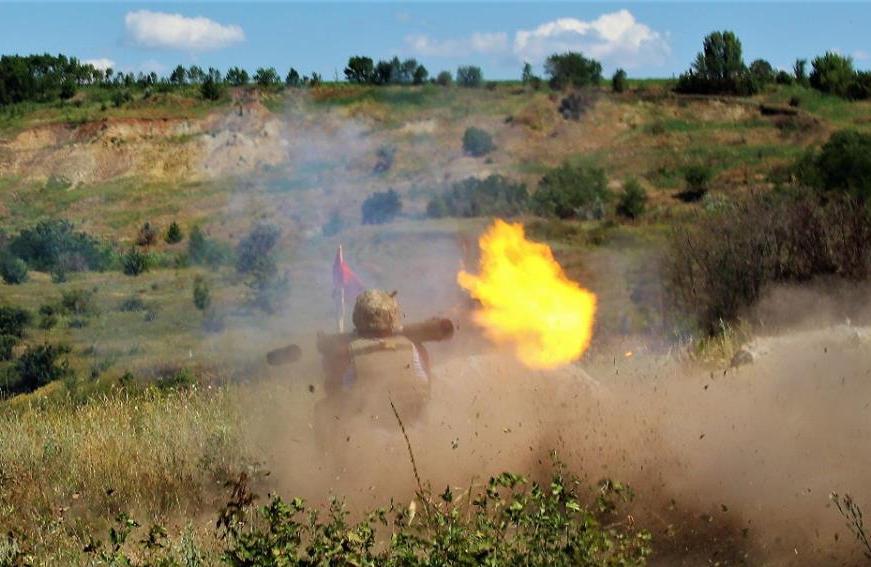 """От артиллерии оккупанта не останется ничего: ООС под носом у врага отстрелялись """"Шмелями"""" - кадры"""