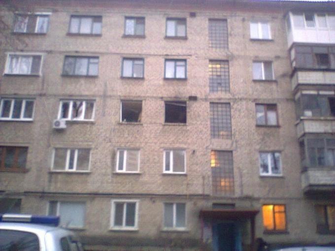 """В Луганске в доме главаря """"ЛНР"""" прогремел мощный взрыв, окна вынесло: боевики выставили оцепление"""