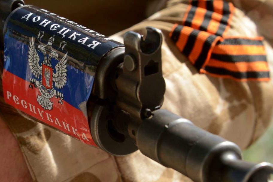 """В Донецке обманули медиков, ответить боятся: """"Против автоматов сильно не помитингуешь"""""""