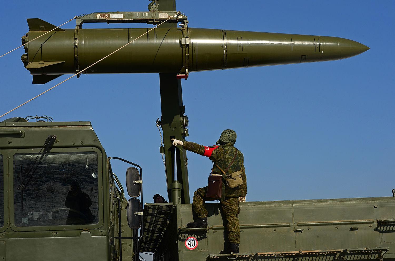 """Кремль направил к границе 14 подразделений сухопутных войск, """"Искандеры"""" и """"Буки"""" – Janes"""