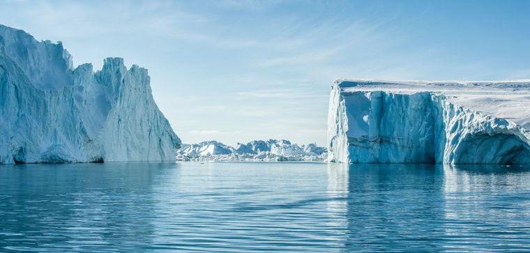 За один день в Гренландии растаяло 8,5 млрд тонн льда: ученые бьют тревогу