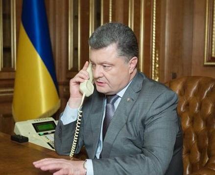 Порошенко и Меркель обсудили роспуск ВР и ситуацию в зоне АТО