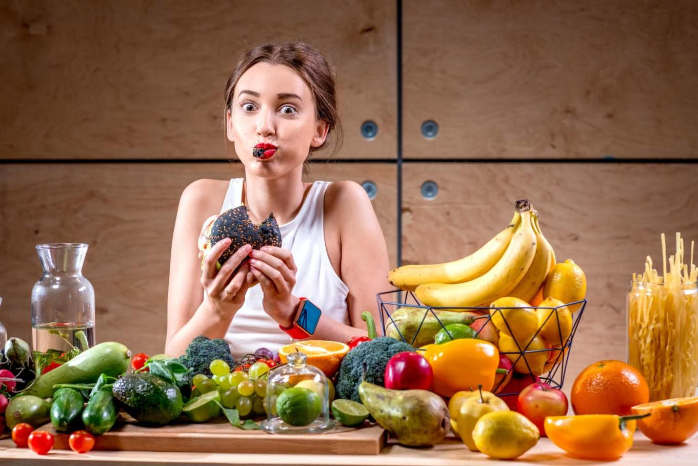 Бессонница и полезный детокс: в какие мифы о еде до сих пор продолжают верить