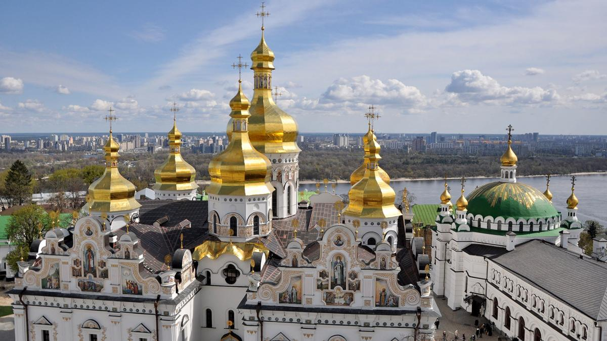 Киево-Печерская лавра - новый очаг коронавируса в столице: счет зараженных священников идет на десятки