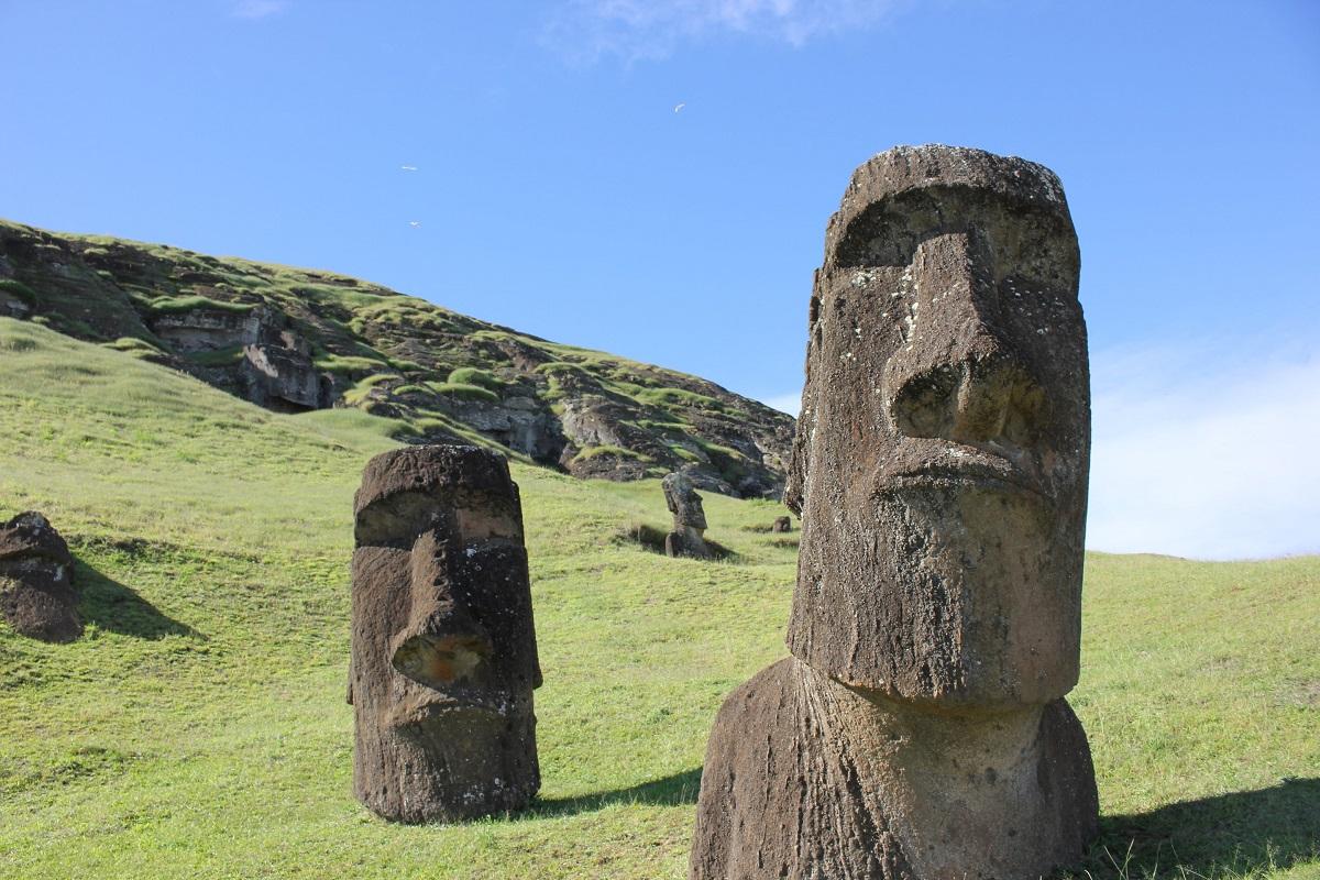 """Когда """"рванет"""" остров Пасхи: известный вулканолог предсказал апокалипсис на Земле"""