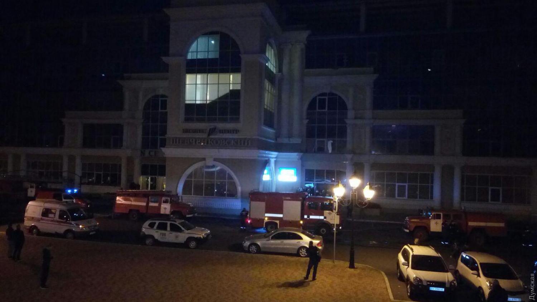 """ЧП в Одессе: стадион """"Черноморец"""" охватил пожар, очевидцы сообщили о взрывах - кадры"""
