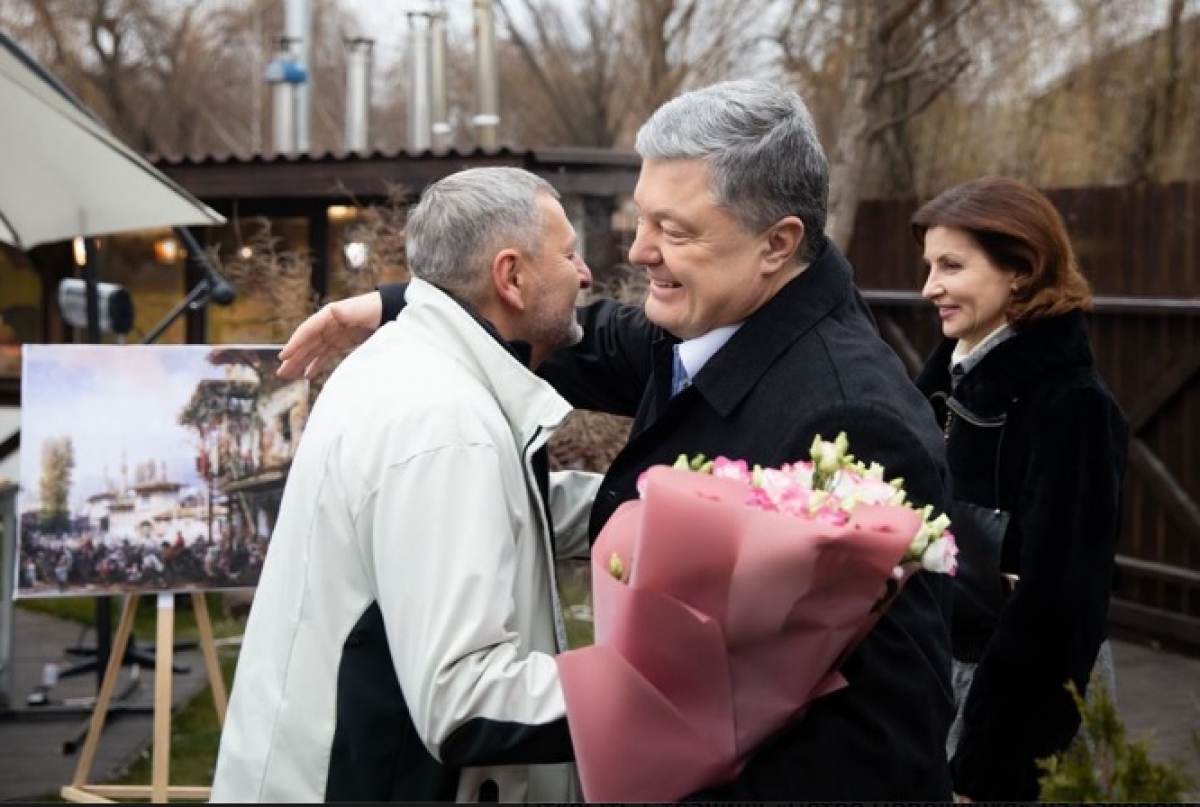 Петр Порошенко поздравил с днем рождения известного крымско-татарского правозащитника Ахтема Чийгоза