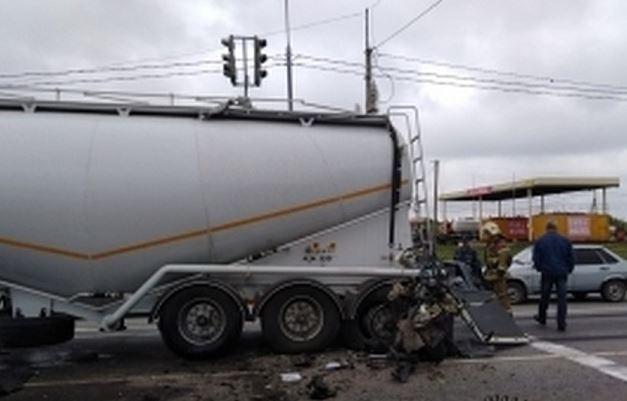 Украинцы погибли в адском ДТП в России: появилось единственное фото аварии и подробности о жертвах