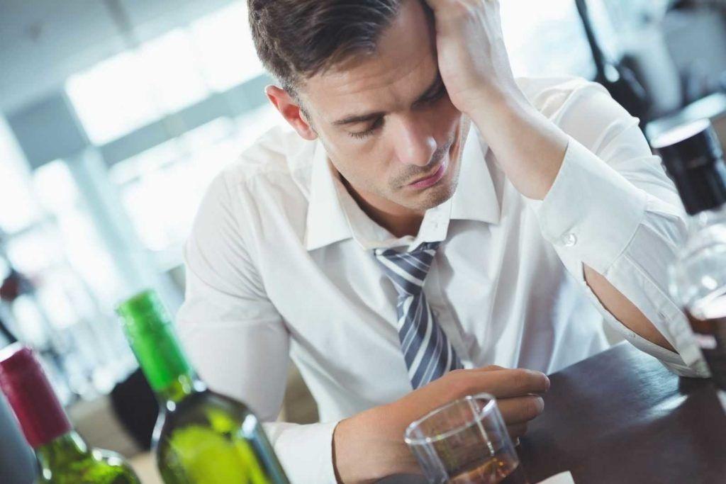 Употребление алкоголя после кодировки: специалисты назвали последствия